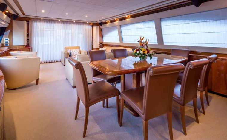 PIOLA Yacht Charter - Dining area