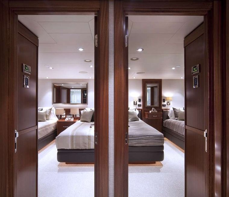 PIPE DREAM Yacht Charter - Twin Staterooms