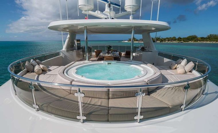 PIPE DREAM Yacht Charter - On Deck Jacuzzi