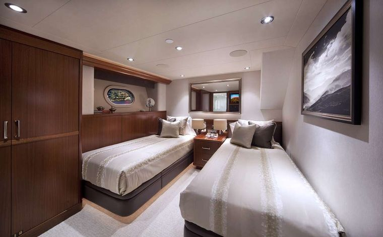 PIPE DREAM Yacht Charter - Twin Guest Stateroom Starboard
