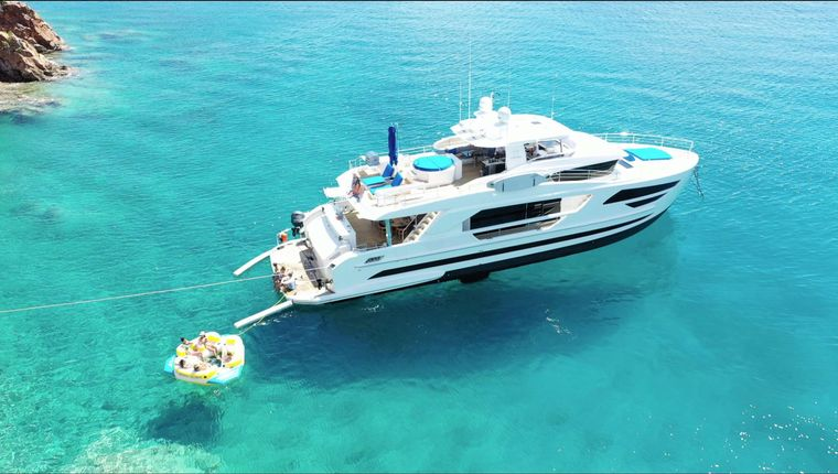 ANGELEYES Yacht Charter - Ritzy Charters