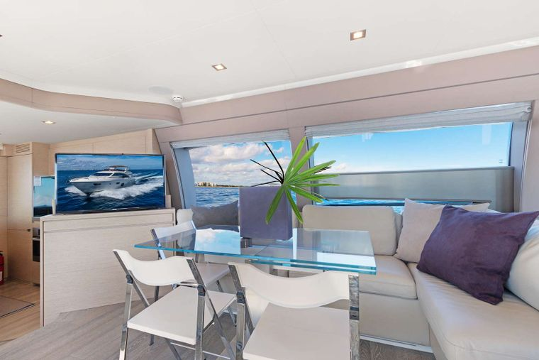 Lindy Lou Yacht Charter - Dining