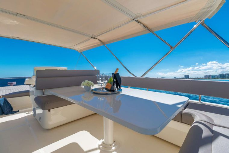 Lindy Lou Yacht Charter - Upper deck dining