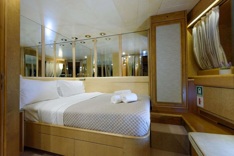 ANDREA Yacht Charter - Double cabin