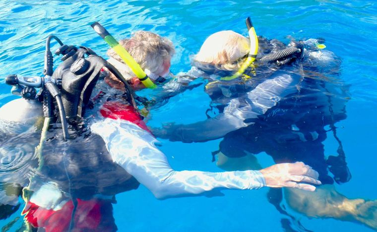 MCGREGOR III Yacht Charter - What they do best - Scuba Instruction