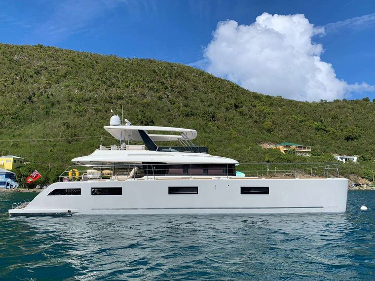 LONG MONDAY Yacht Charter - Ritzy Charters