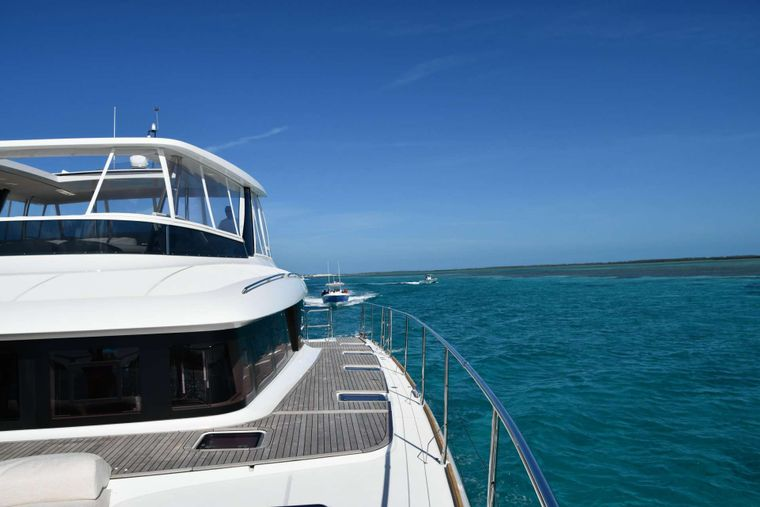 LONG MONDAY Yacht Charter - Long Monday - Sky Lounge with Retractable Ceiling