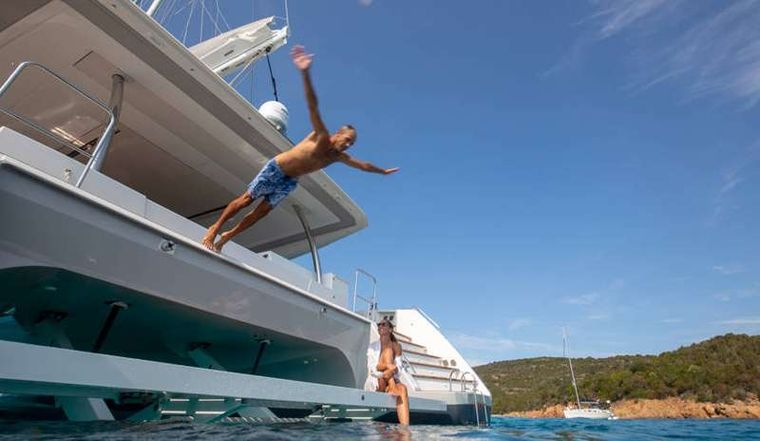 BLACK CAT Yacht Charter - Time for swim