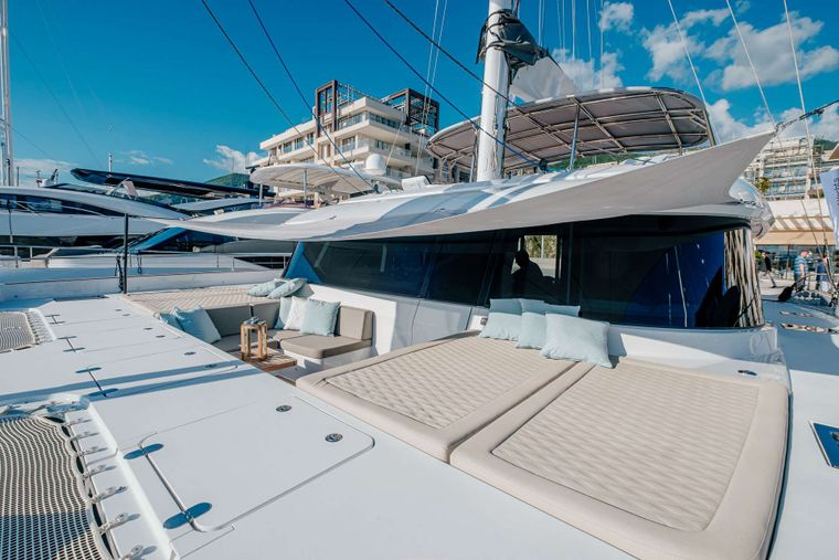 GYRFALCON Yacht Charter - Front Terrace
