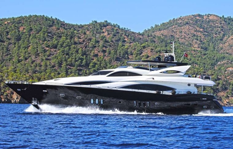EVOLUTION Yacht Charter - Ritzy Charters