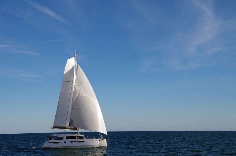 ILLUSION Yacht Charter - Full sails to catch the wind