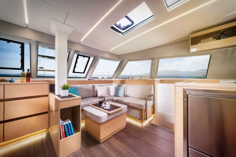 ILLUSION Yacht Charter - Salon seating area