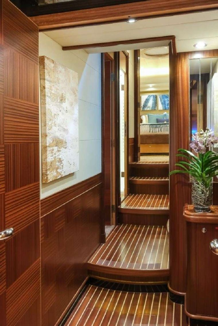 Silver Lining Yacht Charter - Hallway Between Staterooms