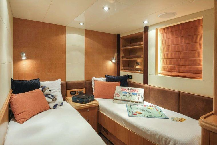 Silver Lining Yacht Charter - Twin Suite