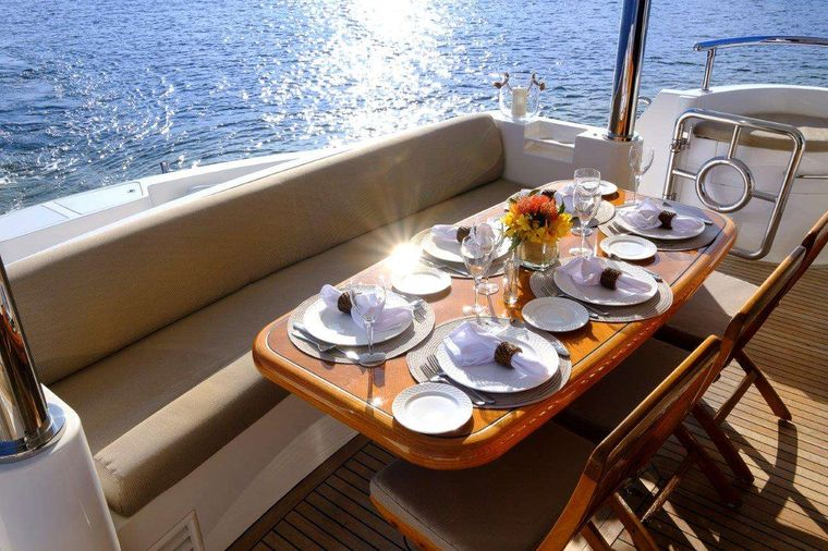 Silver Lining Yacht Charter - Aft Dining