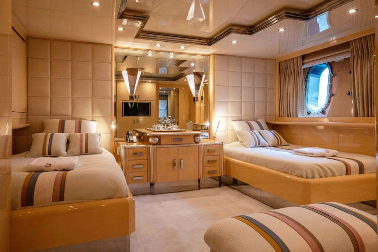 SUNDAY Yacht Charter - Twin Stateroom 2