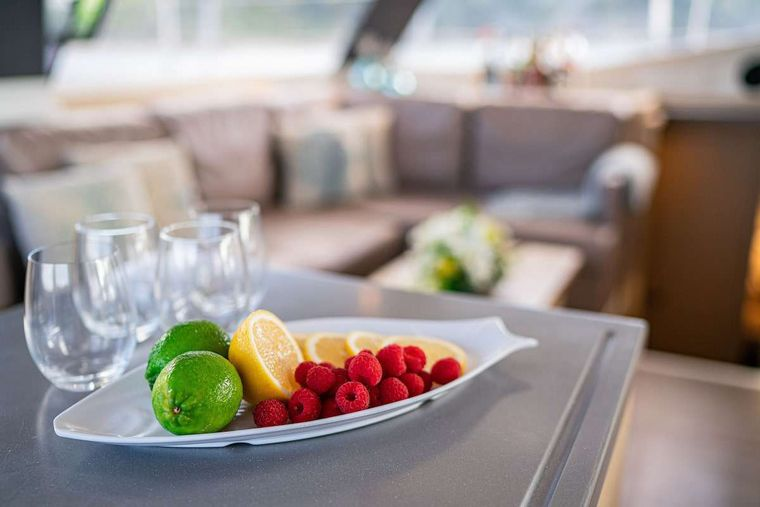 EDDIES IN TIME Yacht Charter - Happy Hour