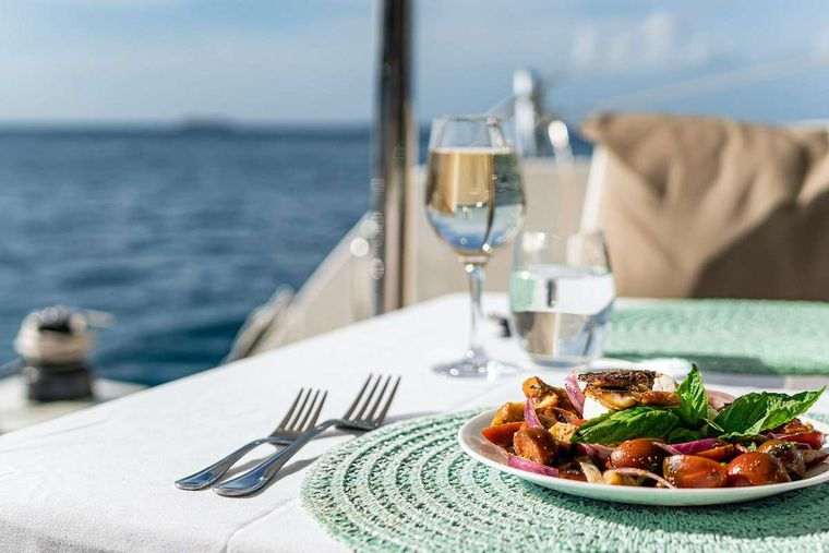 EDDIES IN TIME Yacht Charter - Fine Dining Experience