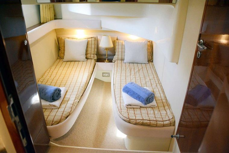 LIAZETA Yacht Charter - The largest of the 2 Twin cabins