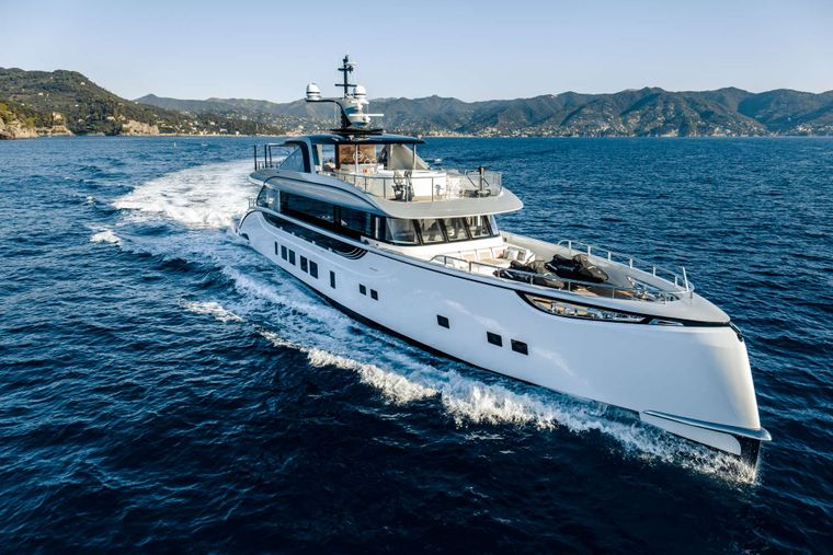 Spring Yacht Charter - Ritzy Charters