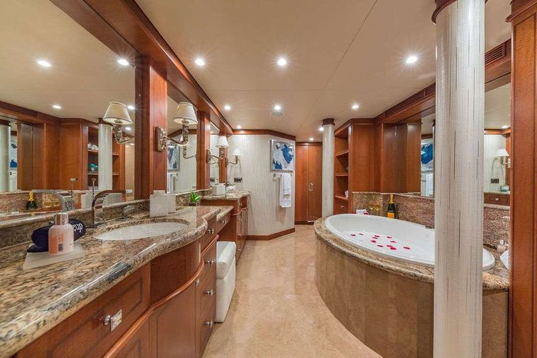 AT LAST Yacht Charter - Master En-suite with Jacuzzi Tub and Separate Rain Shower
