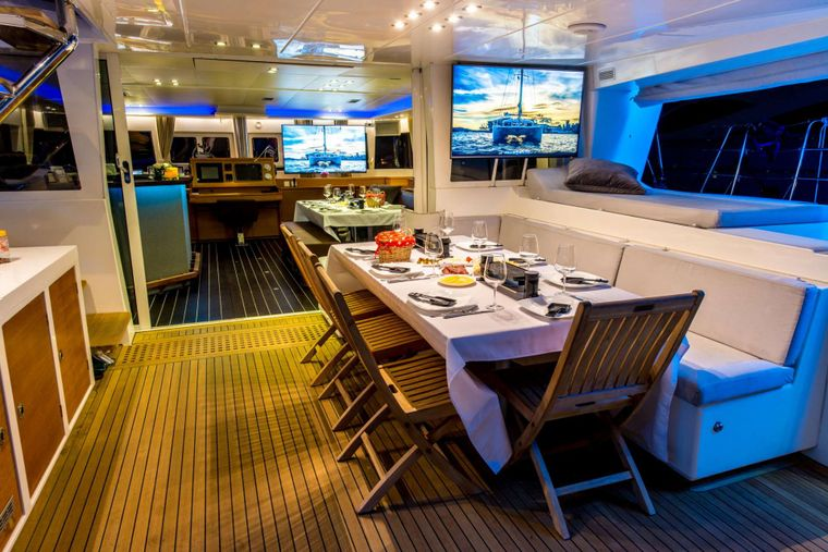 PRIMETIME Yacht Charter - Cockpit Dining -  Evening