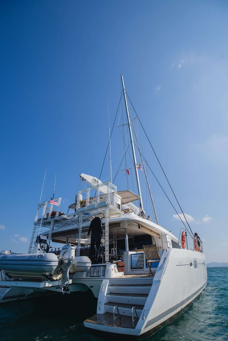 PRIMETIME Yacht Charter - Sternview with onboard dive setup