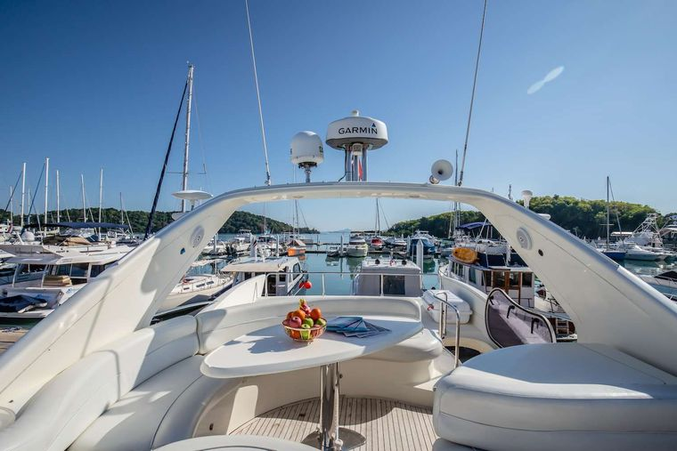 AFTER 8 Yacht Charter - Flybridge - Sofas