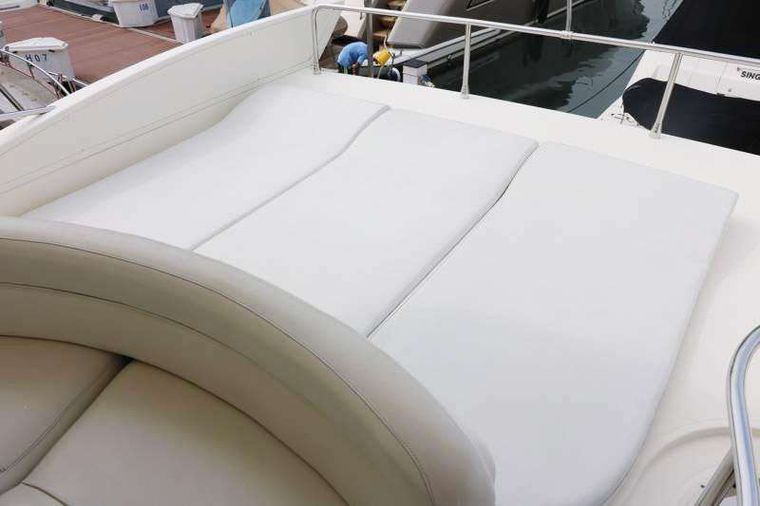AFTER 8 Yacht Charter - Flybridge - Sunlounge