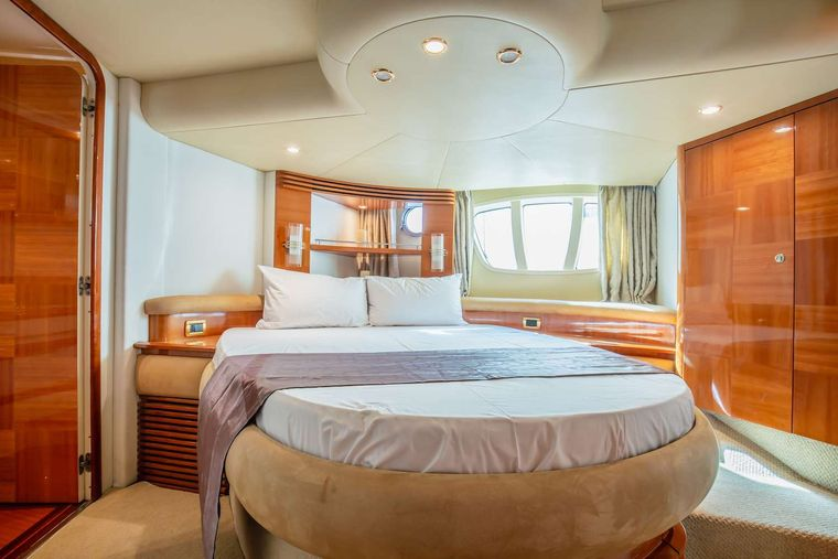 AFTER 8 Yacht Charter - Master Cabin