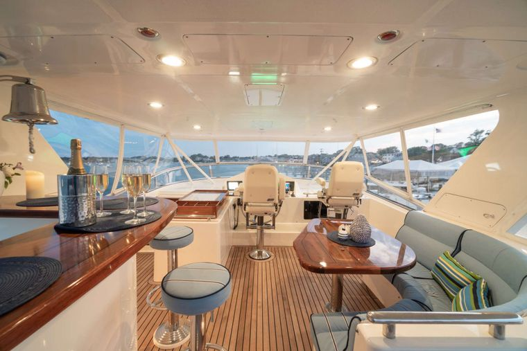 HALCYON SEAS Yacht Charter - Cocktails on the Fly-bridge