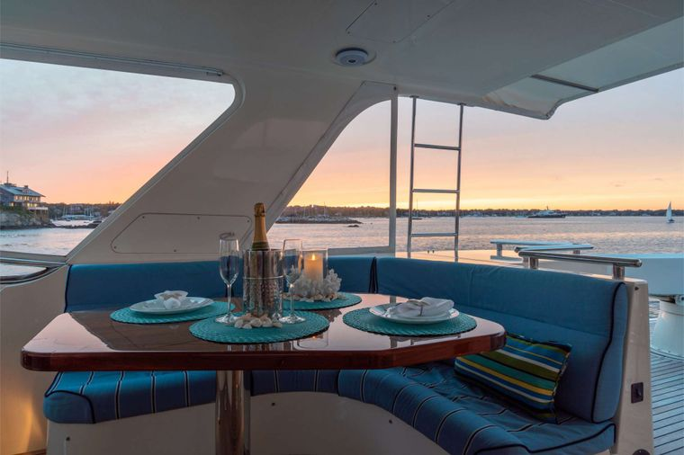 HALCYON SEAS Yacht Charter - Fly-bridge Dining