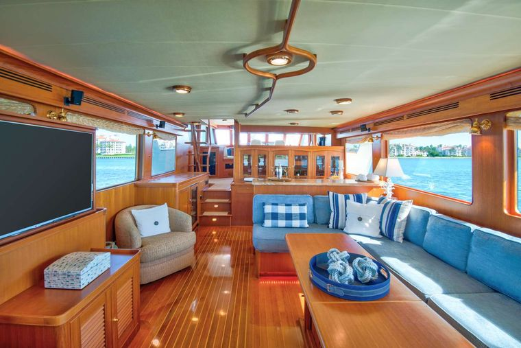 HALCYON SEAS Yacht Charter - Bright and Airy Salon