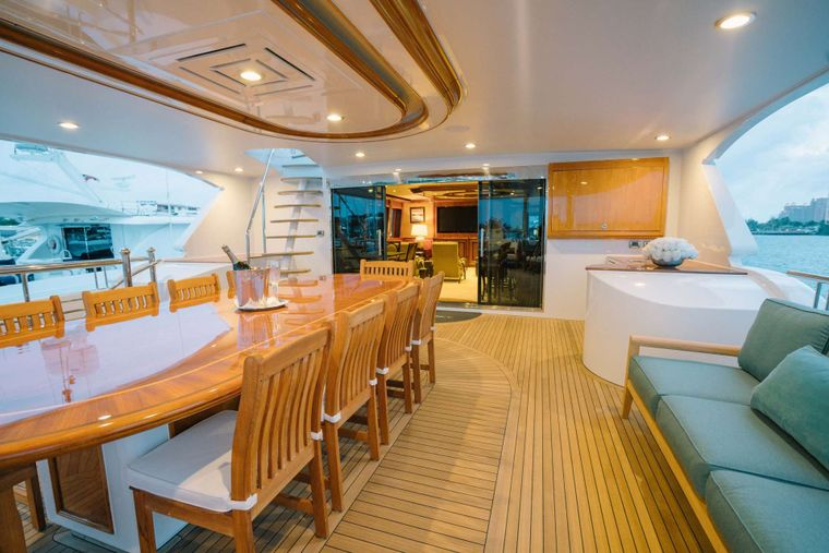 EXCELLENCE Yacht Charter - Outdoor dining