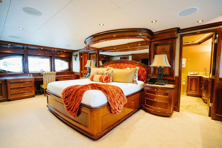 EXCELLENCE Yacht Charter - Master Cabin