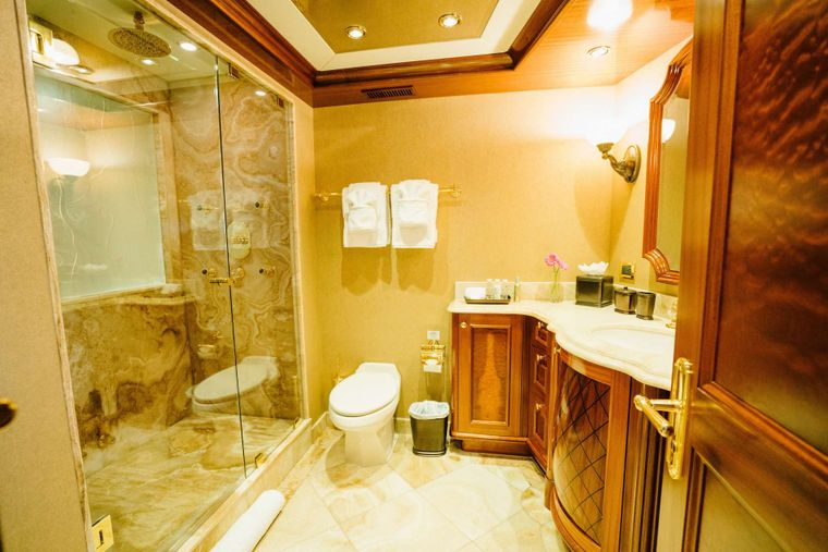 EXCELLENCE Yacht Charter - Master Bath