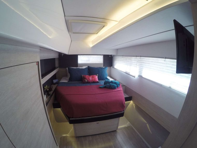 MOON BLOSSOM Yacht Charter - Guest cabin 2