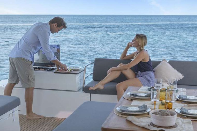 CHAMPAGNE Yacht Charter - Outdoor Cooking
