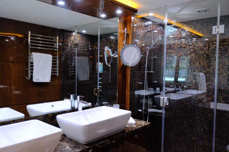 LOVE N LIFE Yacht Charter - Master Bath with Shower