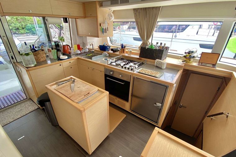 OCELOT Yacht Charter - Bright galley