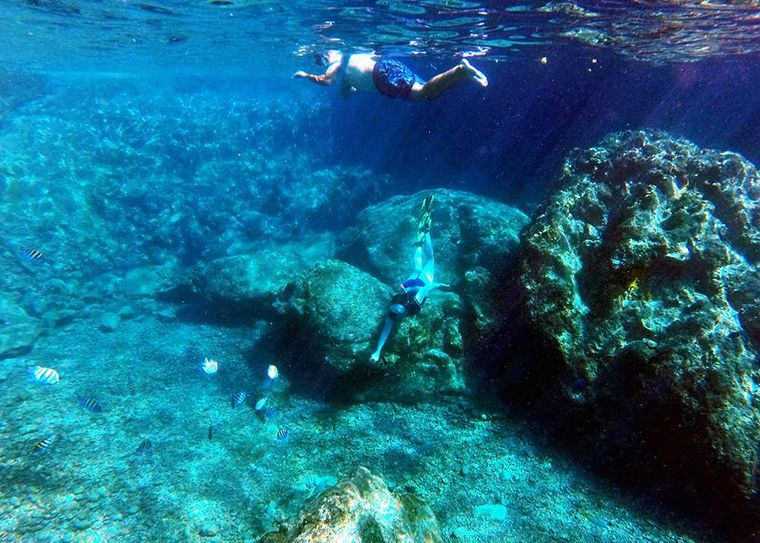 KUMA TOO Yacht Charter - Discover whats under the sea