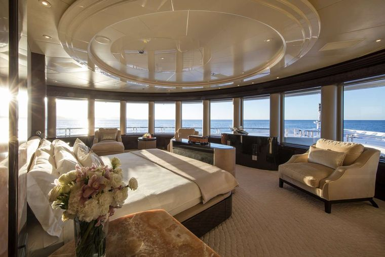 EMINENCE Yacht Charter - Master Suite