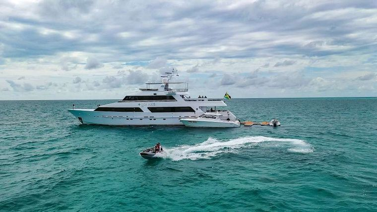 SEA AXIS Yacht Charter - Ritzy Charters