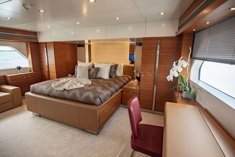 SEA AXIS Yacht Charter - On Deck Master King Stateroom