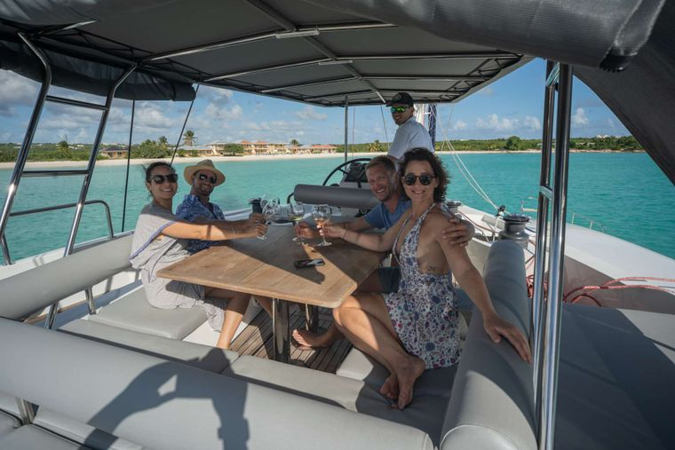 DOLCEVITACAT Yacht Charter - Upper deck panoramic views