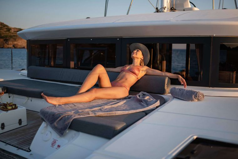 NOMAD II Yacht Charter - Fore deck sunbathing area