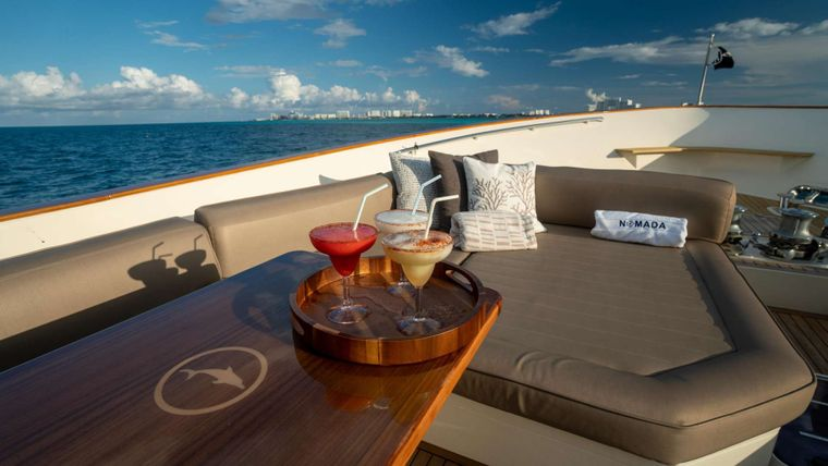 NOMADA Yacht Charter - Foredeck details