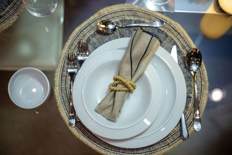NOMADA Yacht Charter - Dining details