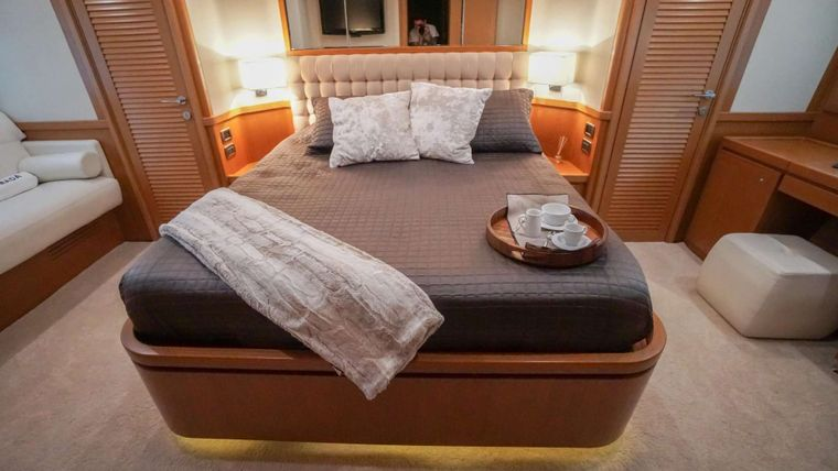NOMADA Yacht Charter - Master suite