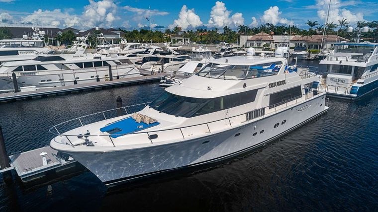 TRUE NORTH Yacht Charter - Ritzy Charters